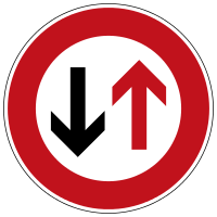 Priority to oncoming traffic