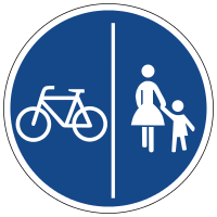 Separate cycling and walking path